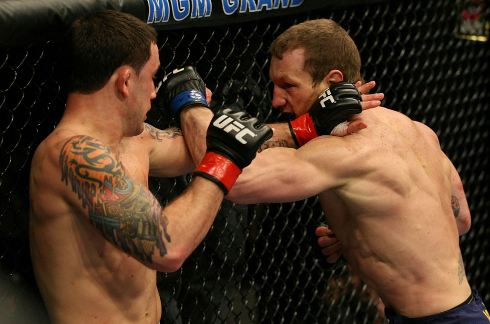 Frankie Edgar (c) vs. Gray Maynard (Foto via Zuffa LLC)